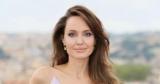 Анджелина Джоли объяснила, почему перестала снимать фильмы и вернулась к актерской деятельности