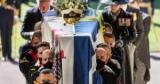 В Великобритании прощаются с принцем Филиппом: фото церемонии
