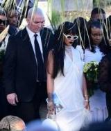 Rihanna похоронила брата, которого расстреляли в Рождество