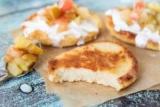 Вкусные и полезные сырники со сметаной. Рецепты